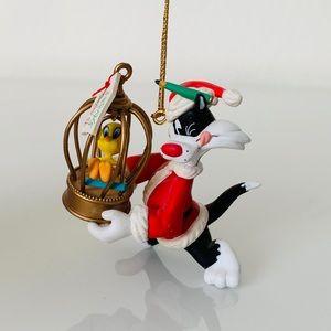 1995 Looney Tunes Matrix Christmas Ornament